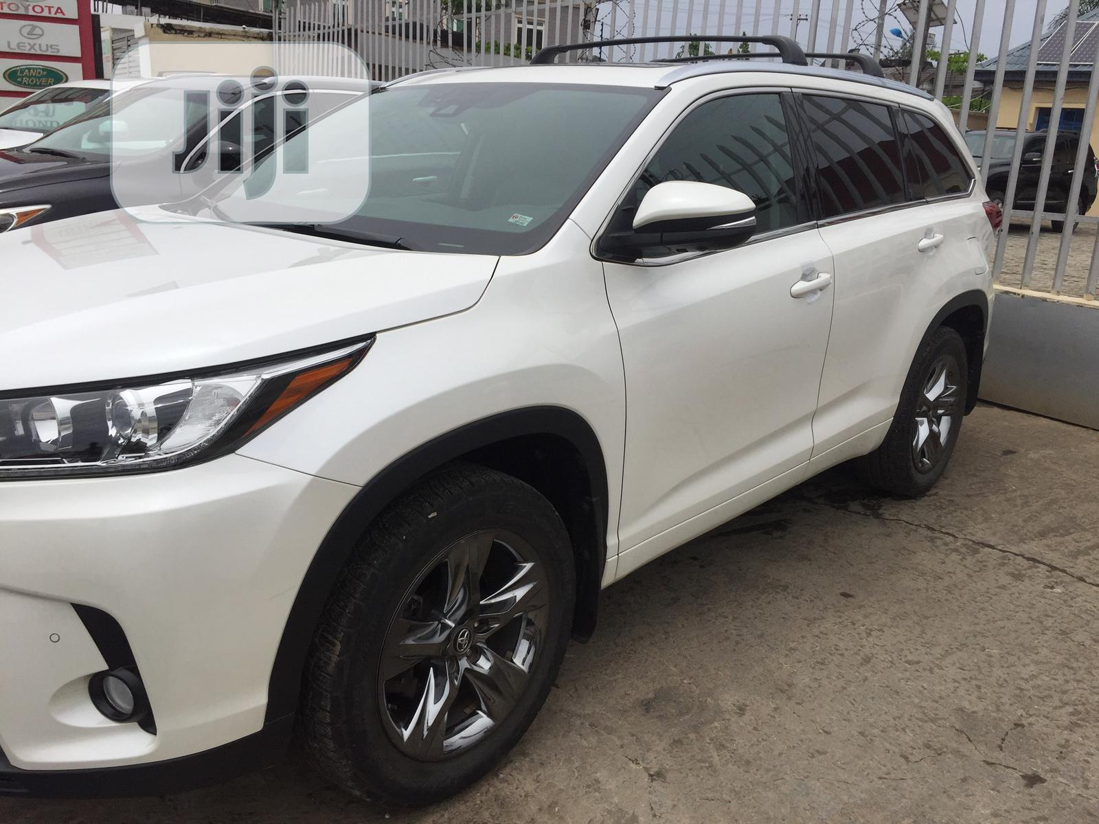 Archive: Toyota Highlander 2017 White