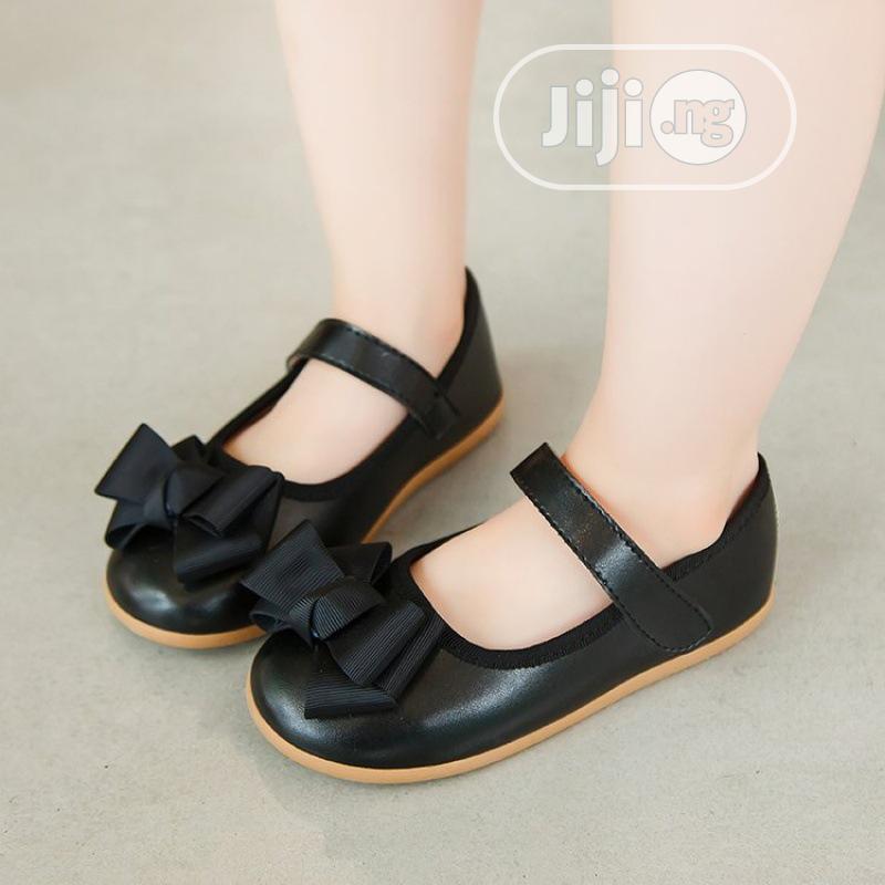 Girls Black Bow Shoe