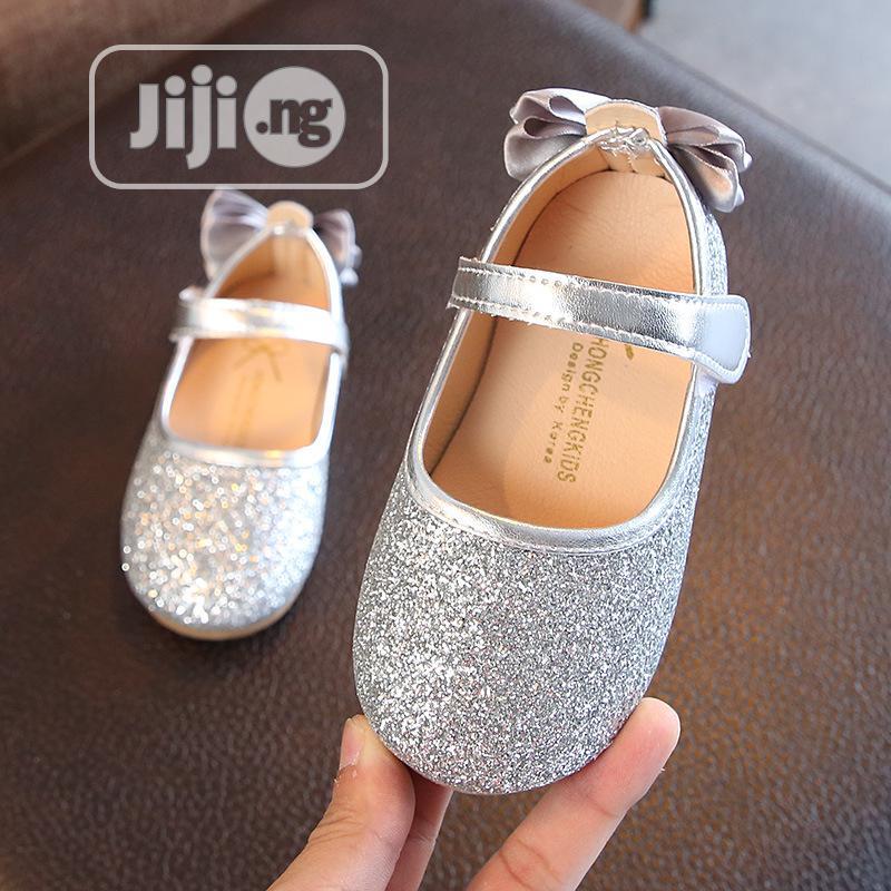 Girls Silver Bow Shoe