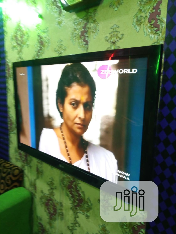 London Used,52 LG LCD,Tv Set
