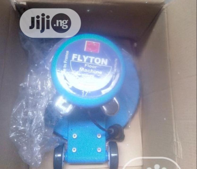 Flyton Scrubbing Machine