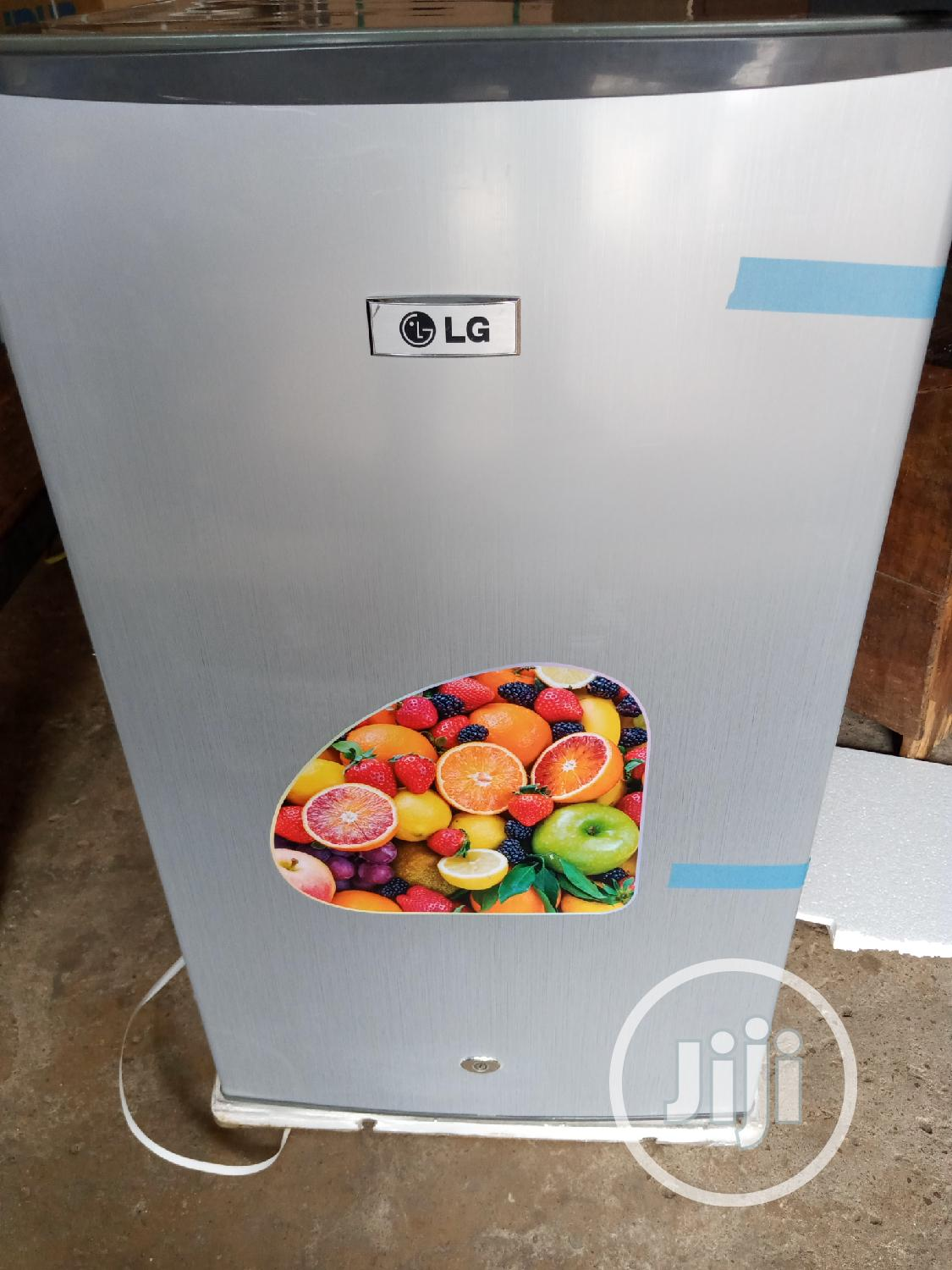 100l LG Fridge (Strong And Reliable)
