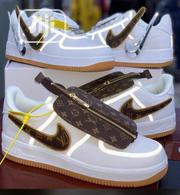 Original Quality and Beautiful Men Designers Sneakers | Shoes for sale in Abuja (FCT) State, Garki 2
