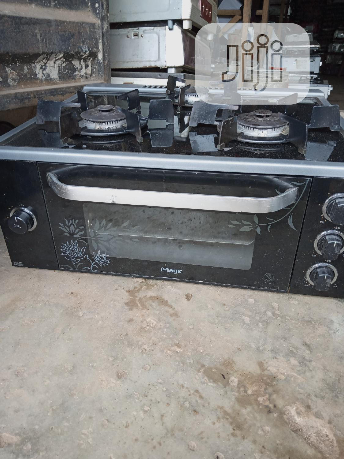 3 Bunner Table Gass Cooker With Grill And Oven