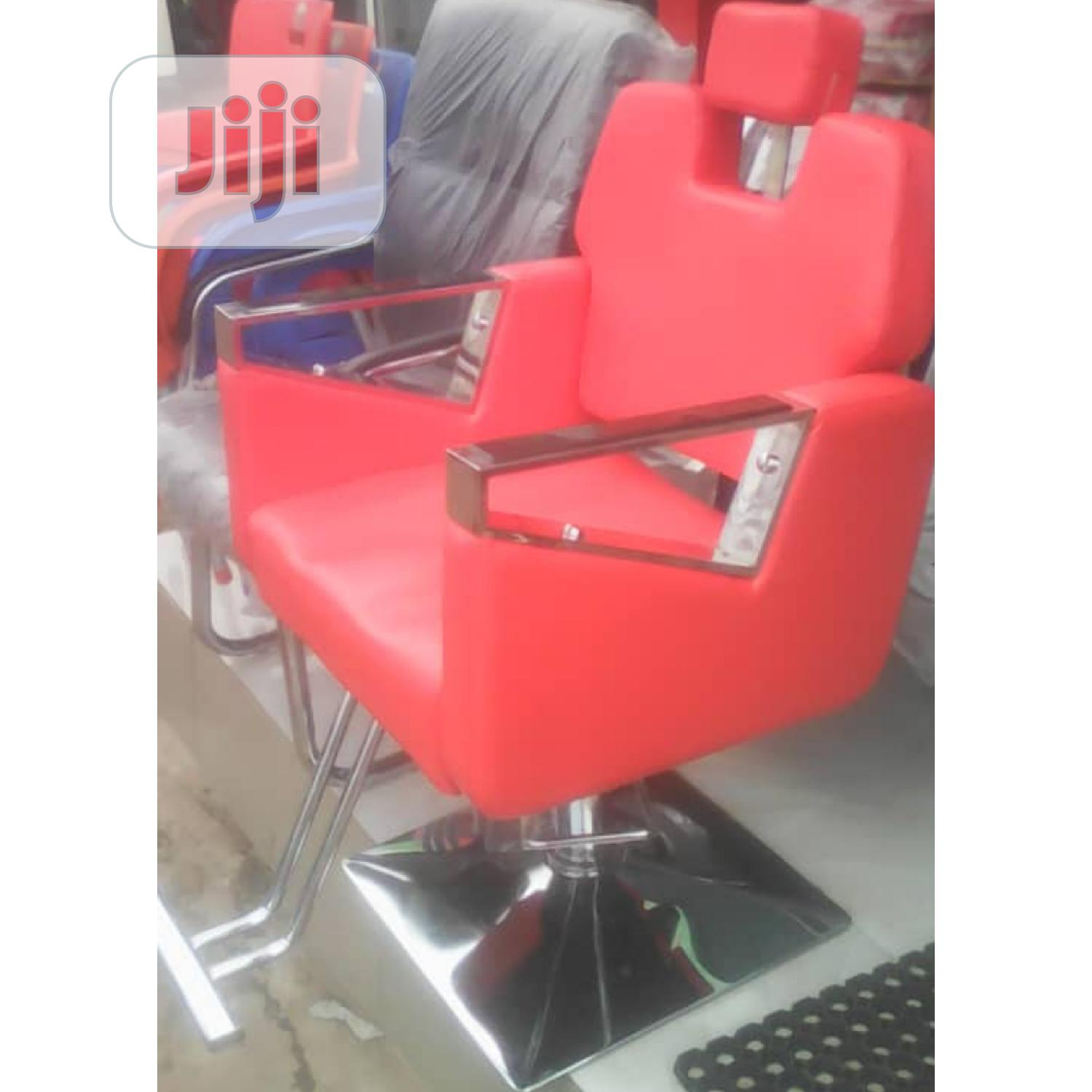 Executive Barbing Saloon Chair (Available In Black Color)