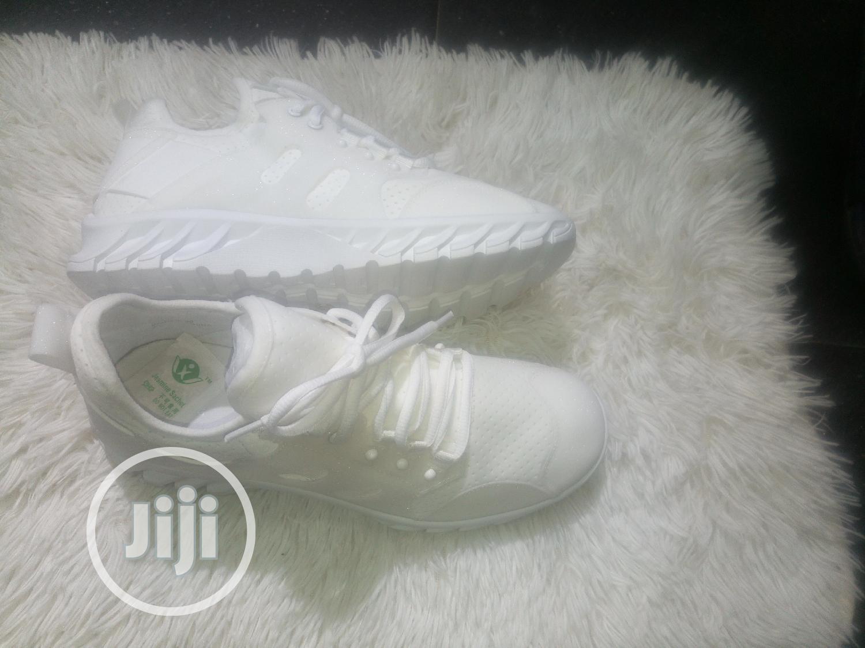 White Glitter Sneckers