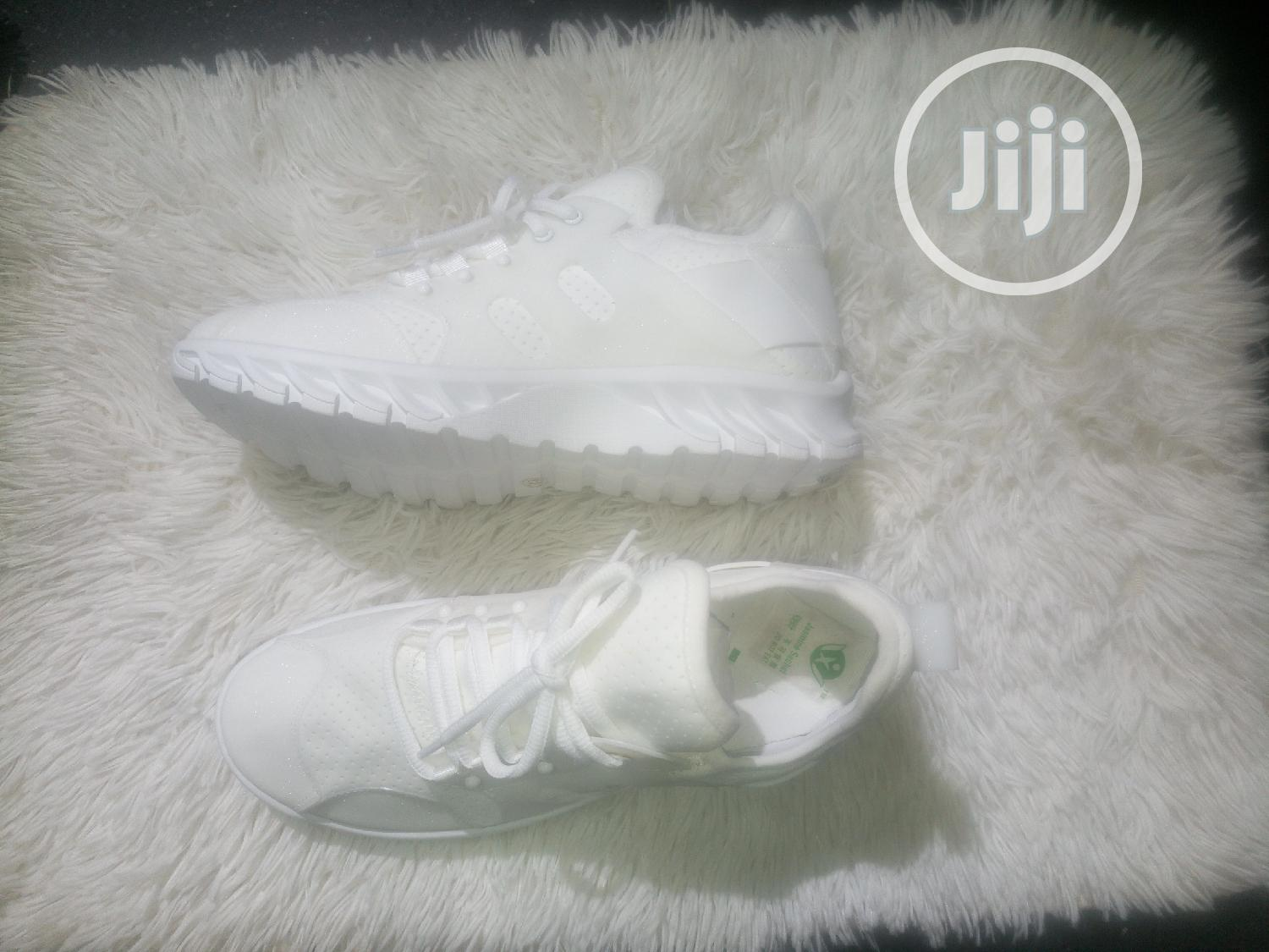 White Glitter Sneckers | Shoes for sale in Lekki Phase 1, Lagos State, Nigeria