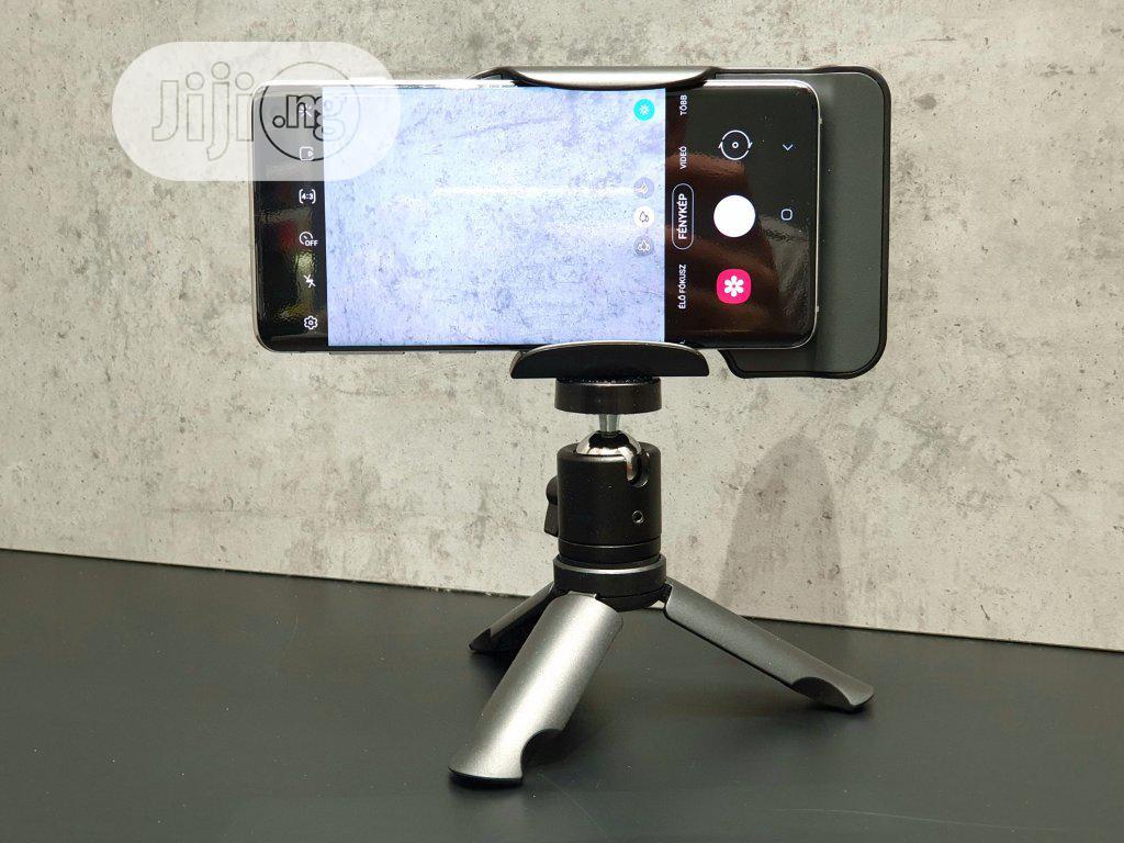 Samsung C&T Fit Grip Tripod