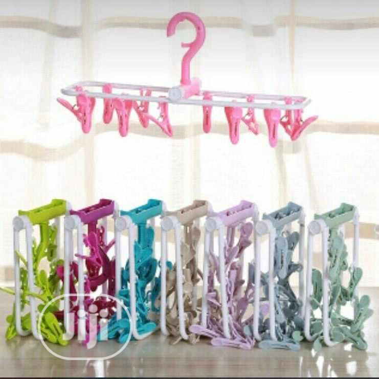 1 Multi Purpose Quaity Cloth Hanger X24 Clips