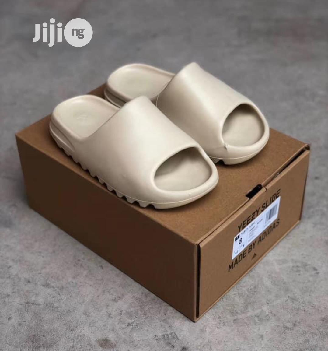 Adidas Yeezy Slide Slippers | Shoes for sale in Surulere, Lagos State, Nigeria