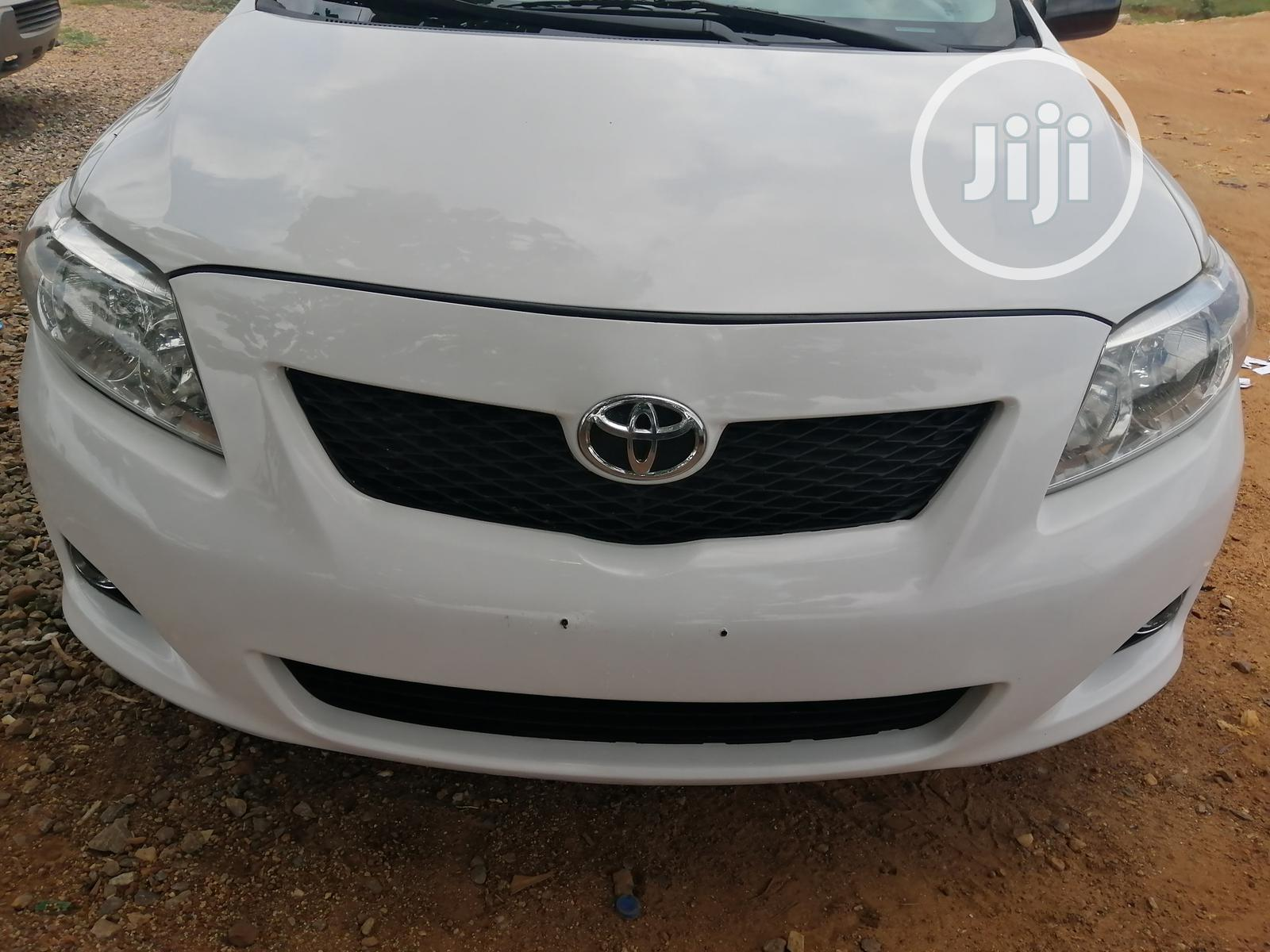 Toyota Corolla 2010 White | Cars for sale in Central Business Dis, Abuja (FCT) State, Nigeria