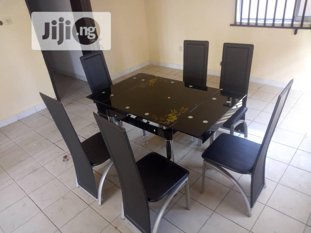 Italian Adjustable Dining Table With 6 Chairs