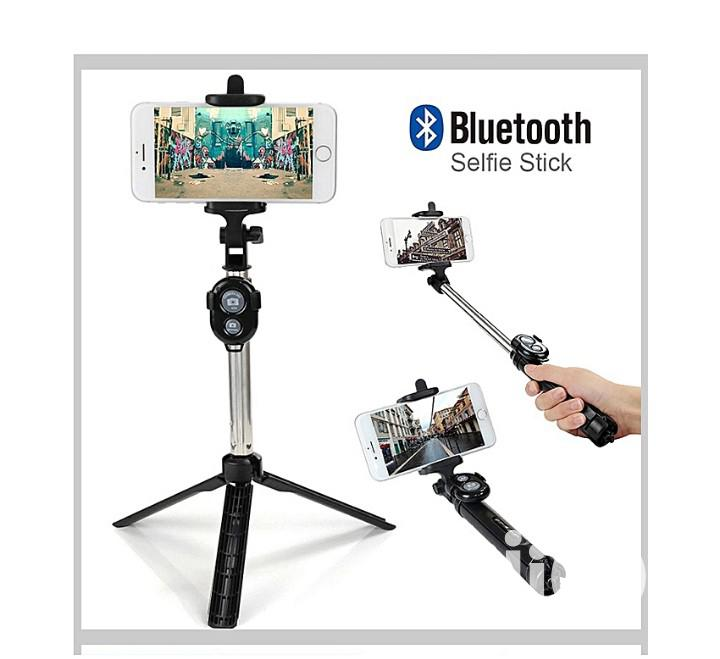 Phone Tripod Stand & Selfie Stick With Bluetooth Shutter. | Accessories for Mobile Phones & Tablets for sale in Port-Harcourt, Rivers State, Nigeria