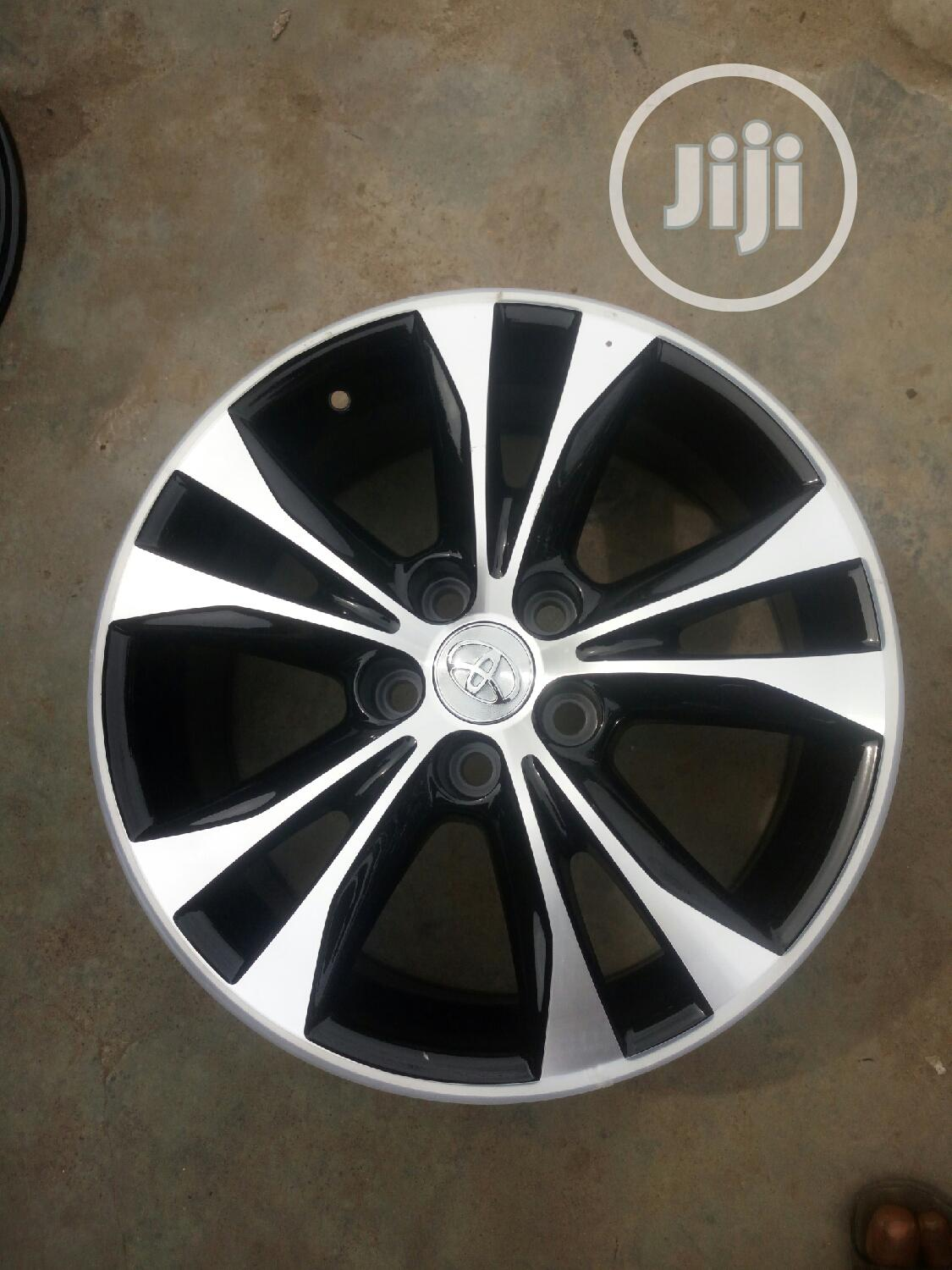 17 Rim for Toyota Lexus | Vehicle Parts & Accessories for sale in Mushin, Lagos State, Nigeria
