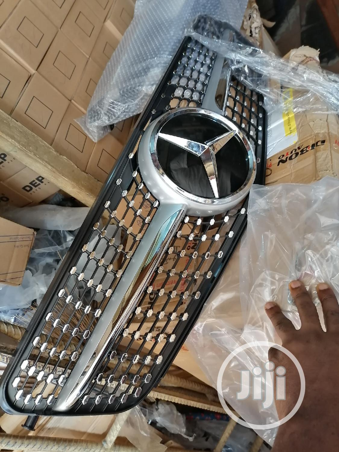Front Grill Mercedes 205