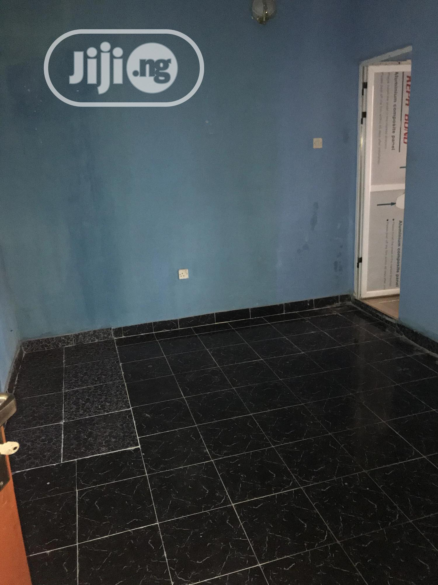 Archive: Neat 2 Bedrooms Flat At Fagba