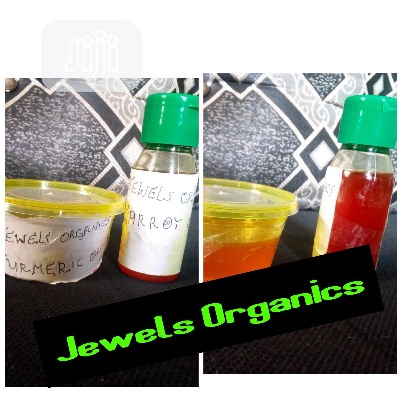 Pure Organic Turmeric and Carrot Oil.