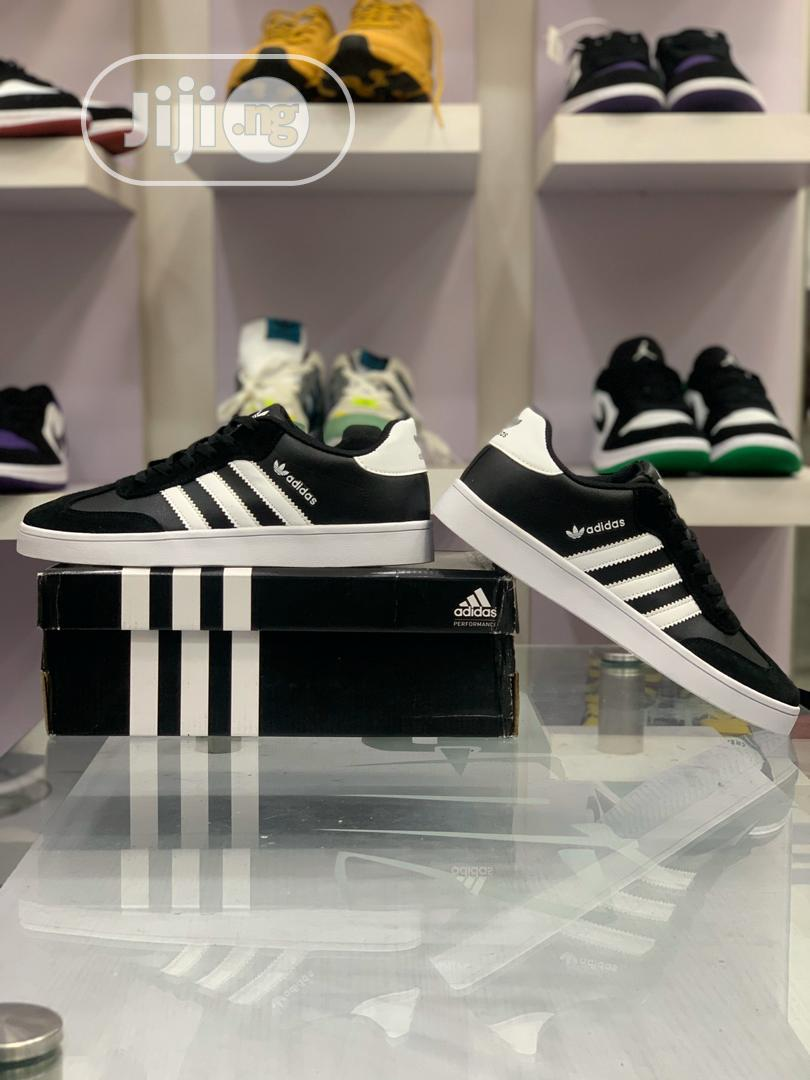 Adidds Vrx Low