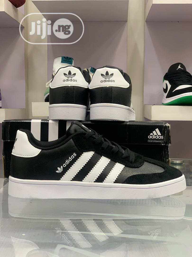 Adidds Vrx Low | Shoes for sale in Lagos Island, Lagos State, Nigeria