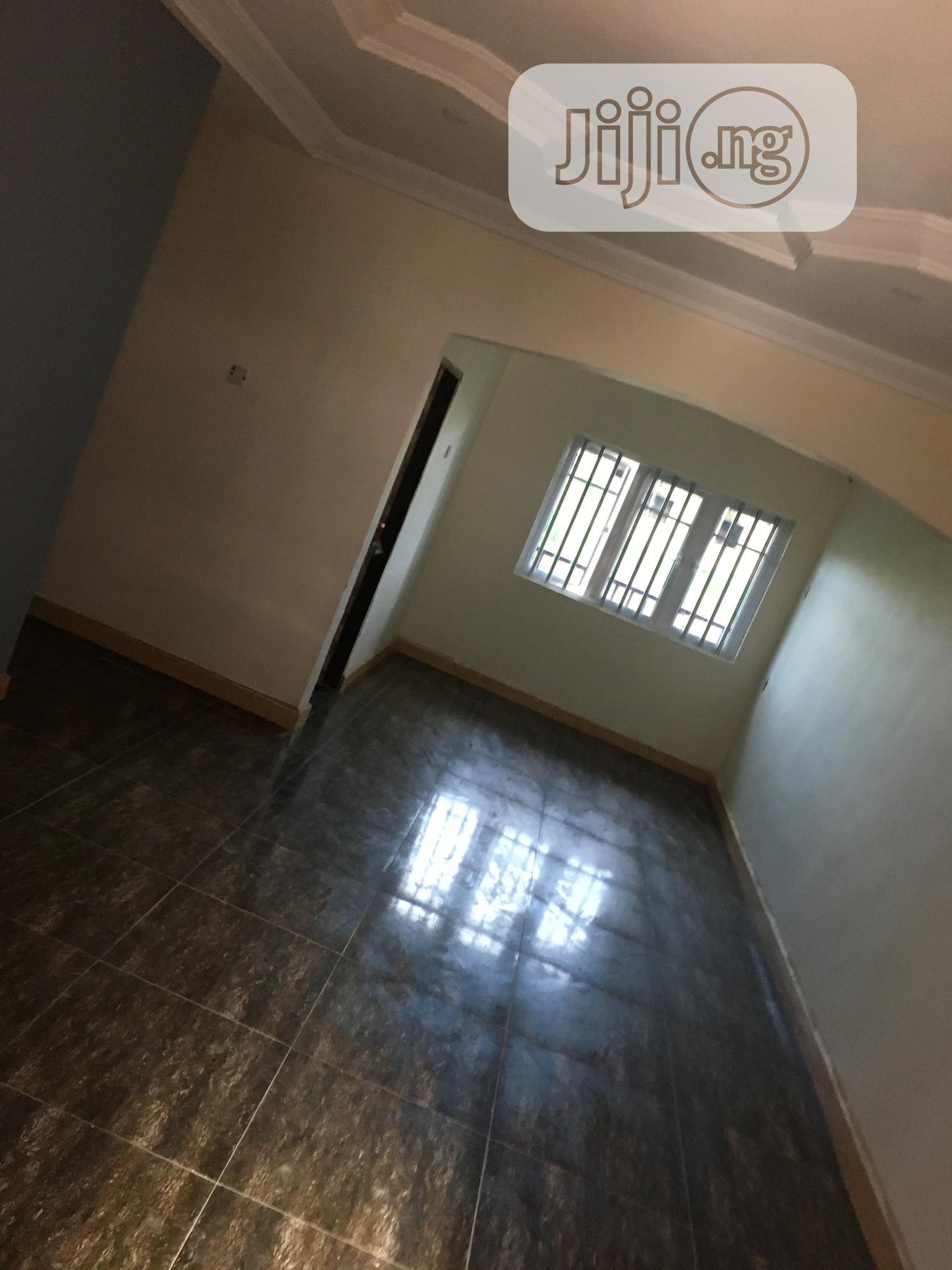 Archive: 3 Bedroom Flat At Thinkers Corner