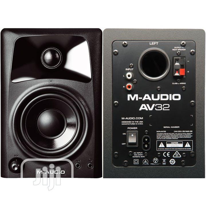M-Audio AV32   Compact Active Desktop Reference Monitor Speakers