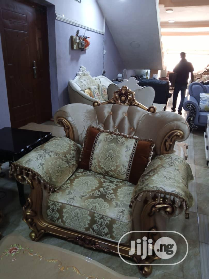 High Quality Turkey Royal Sofa Chairs by 7seaters and Center Table