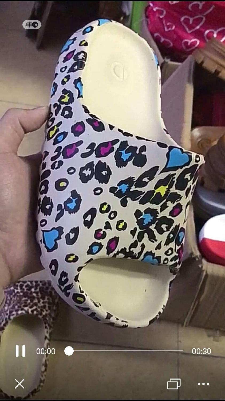Unique, Original Addidas Yeezy Slides | Shoes for sale in Lekki Phase 1, Lagos State, Nigeria