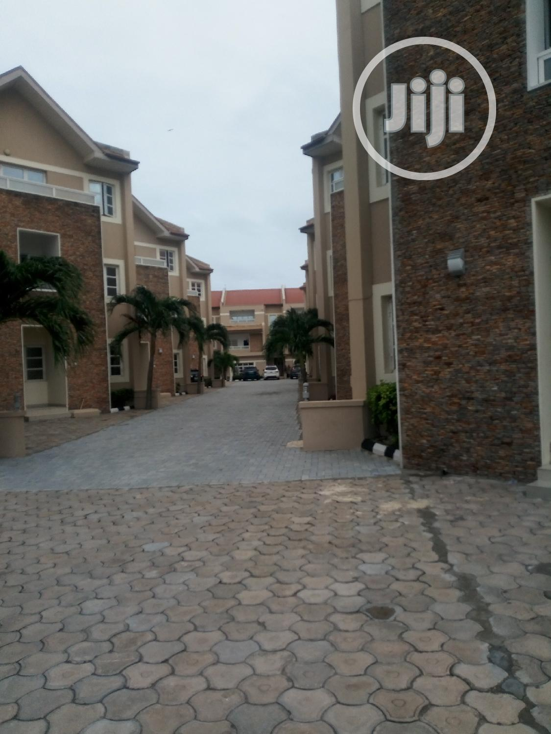 Archive: Serviced 4 Bedroom Terrence Duplex In VI Lagos
