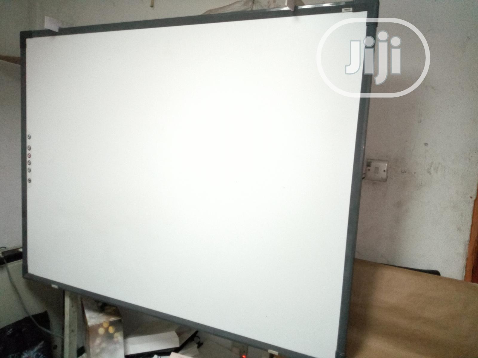 "Traceboard Digital Interactive Whiteboard 82"""