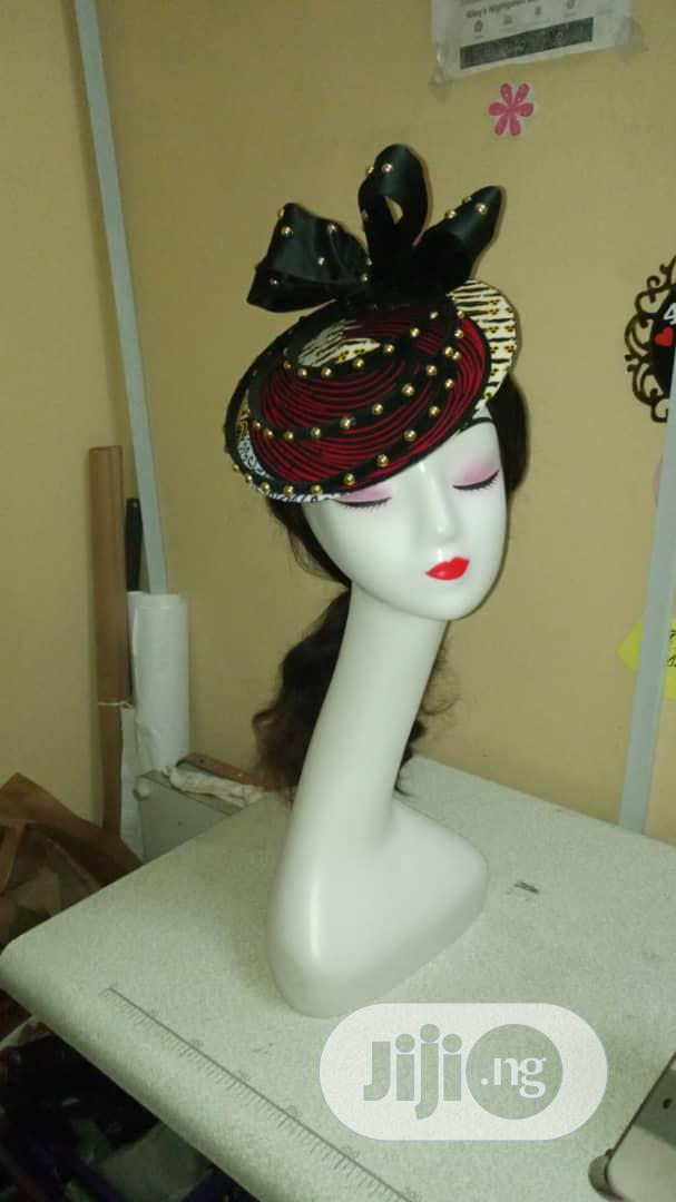 Long Neck Plastic Whie Hat Display Mannequin | Store Equipment for sale in Lagos Island (Eko), Lagos State, Nigeria
