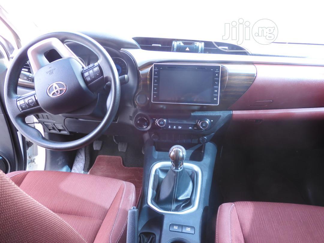 Toyota Hilux 2016 SR5 4x4 White | Cars for sale in Lekki, Lagos State, Nigeria