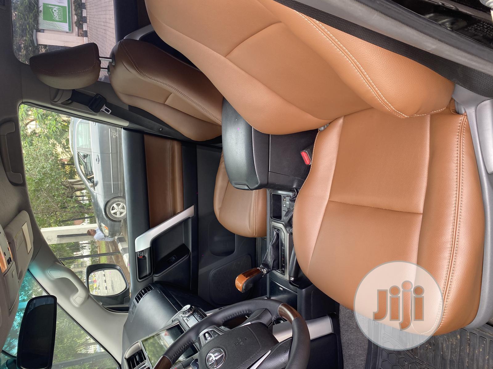 Archive: Toyota Land Cruiser Prado 2012 Black