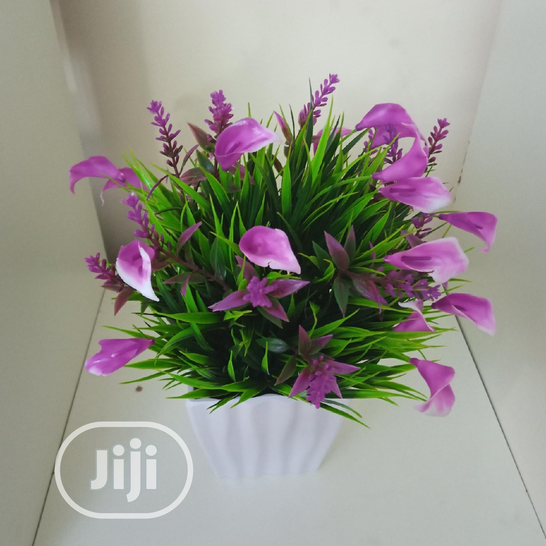 Portable Vase + Artificial Plant