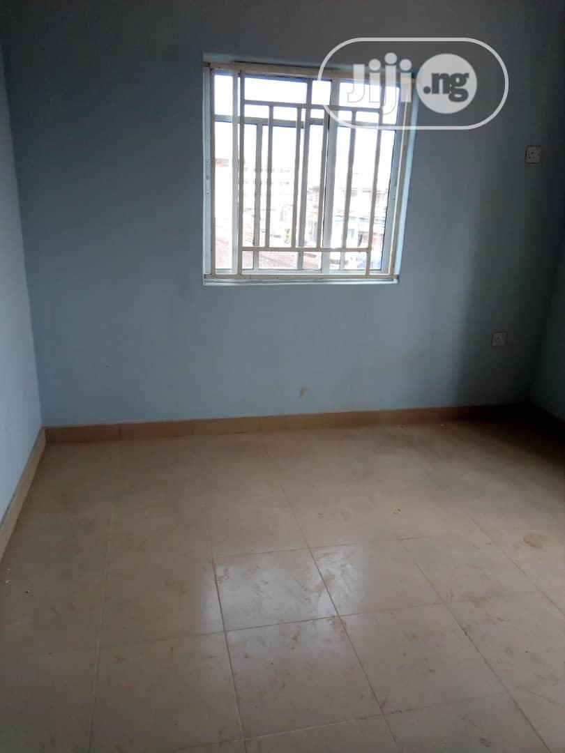 Sharp 1 Bedroom Flat At Edinburgh | Houses & Apartments For Rent for sale in Enugu, Enugu State, Nigeria