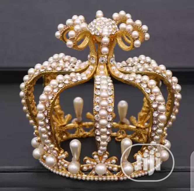 Statement Gold Crown