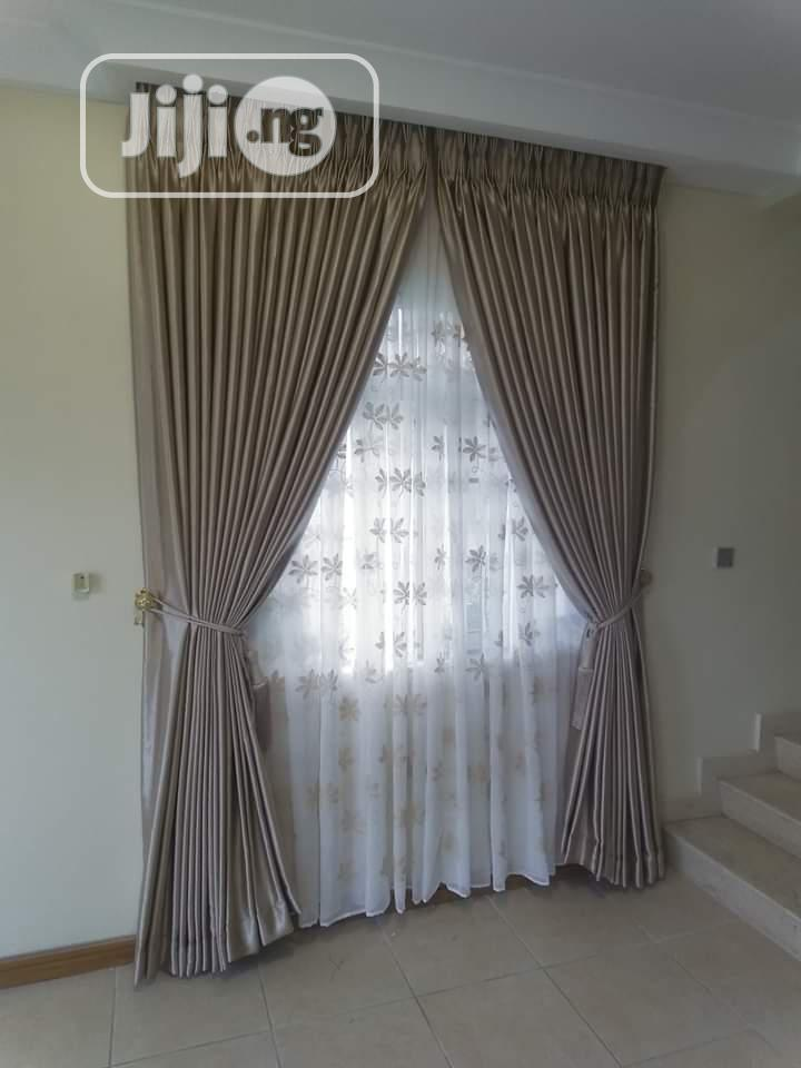 High Quality Curtains Office Blinds and Bedsheets