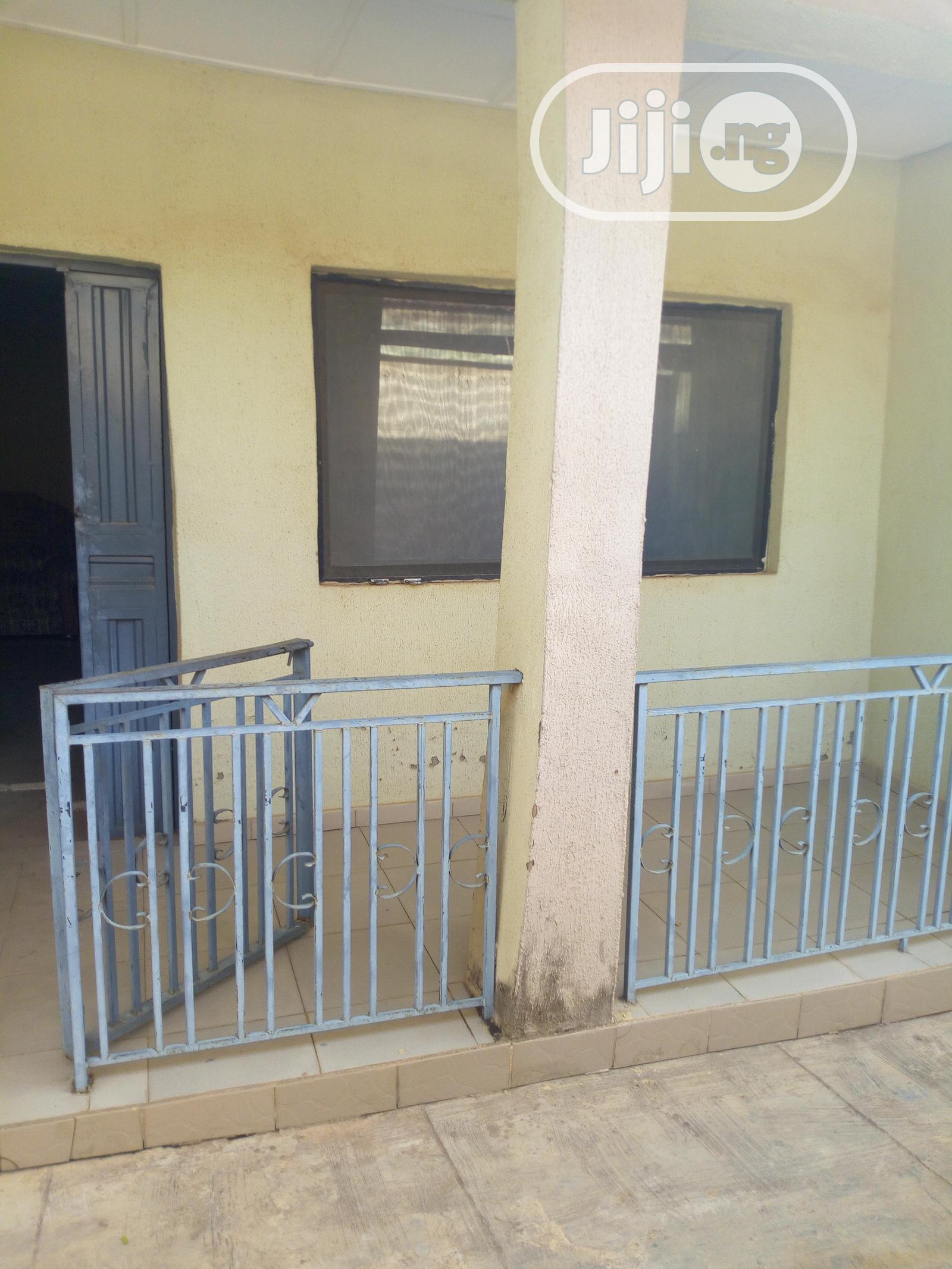 Neat 3 Bedroom@ Iyana- Agbala Ibadan