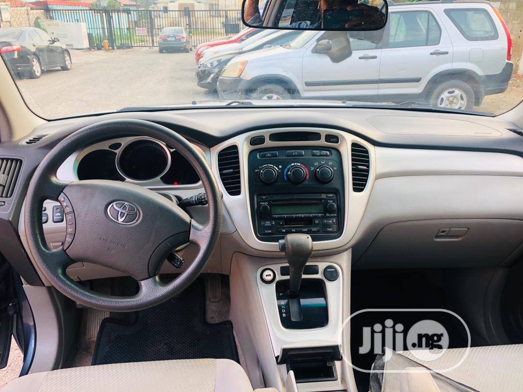 Toyota Highlander 2006 Hybrid 4x4 Blue | Cars for sale in Ikeja, Lagos State, Nigeria