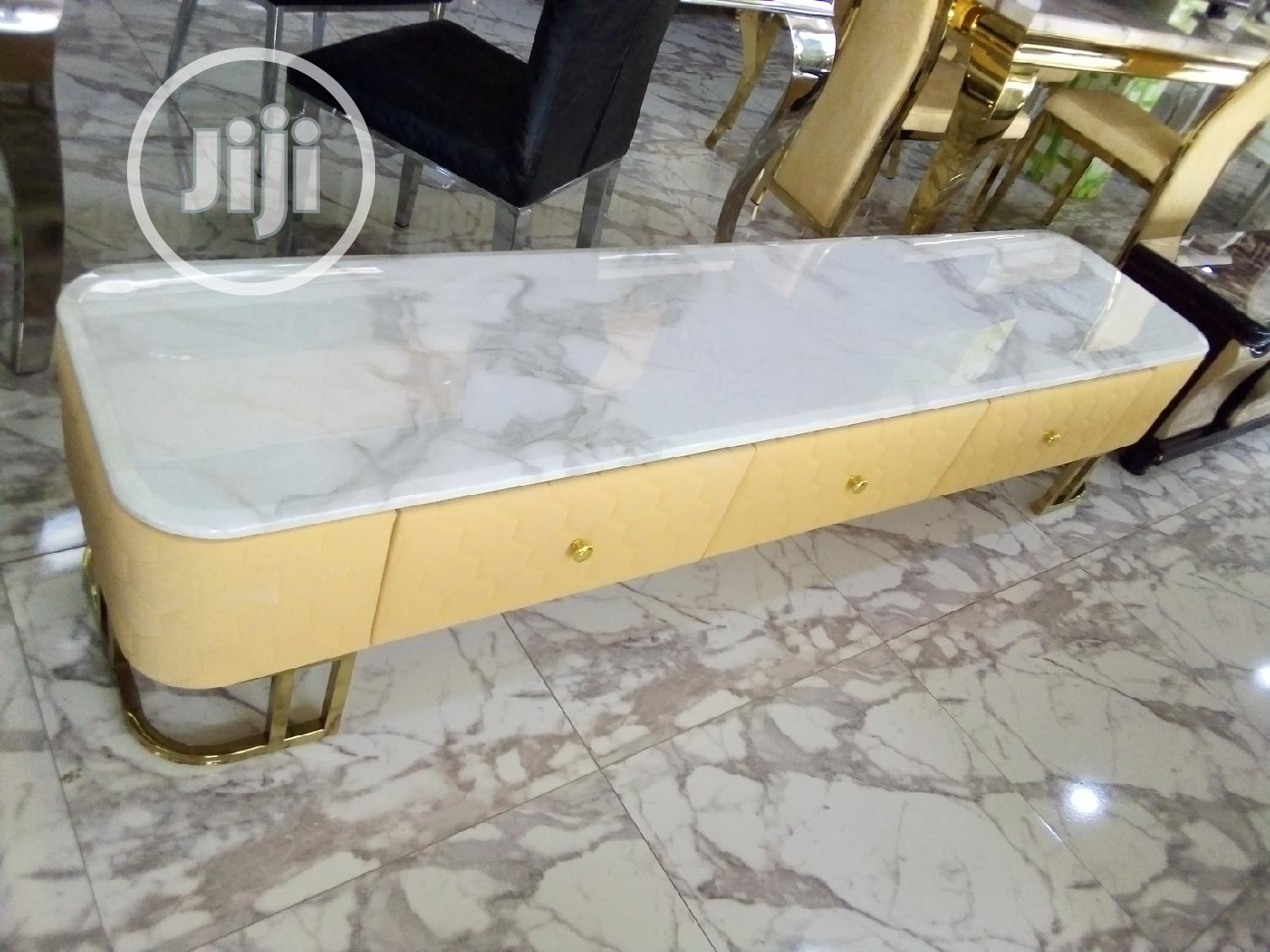 Good Quality Dining Table Center Table Tv Shelf | Furniture for sale in Lekki Phase 2, Lagos State, Nigeria