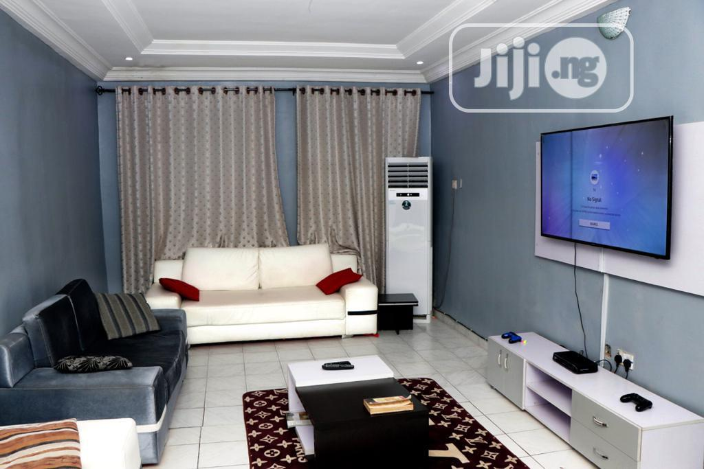 Service Apartment For Short Lease