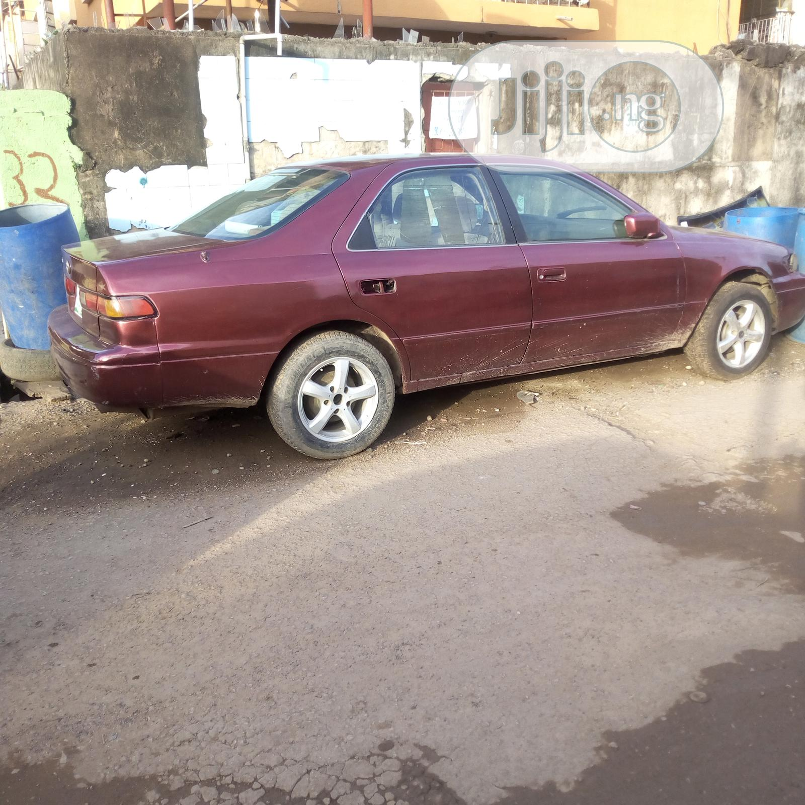 Archive: Toyota Camry Automatic 1999