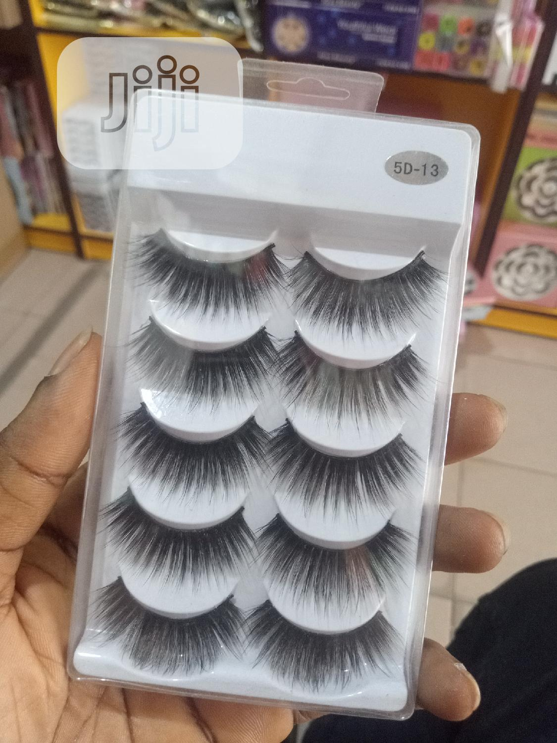 5-in-1 Human Lashes