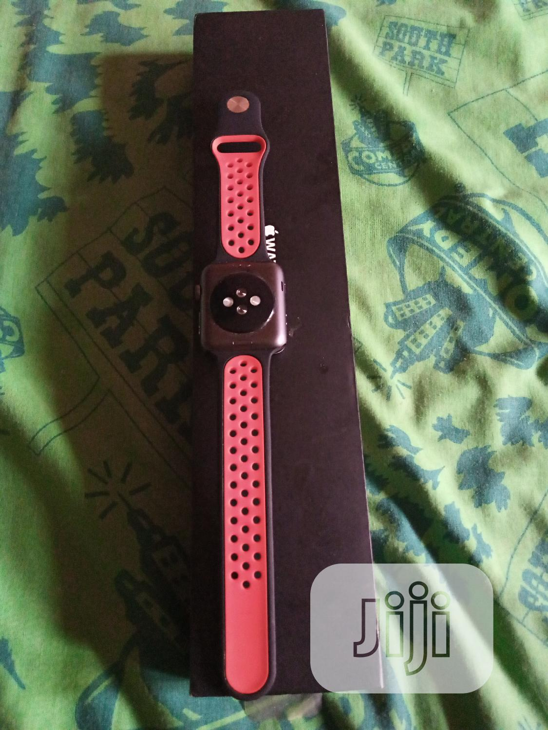 Archive: Apple Watch Series3 42mm Nike Edition