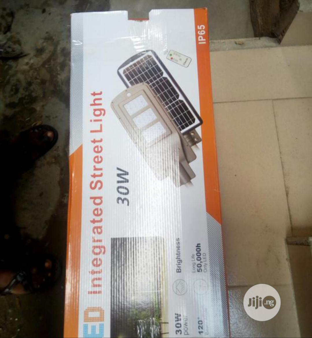 30watts All in One Solar Street Light