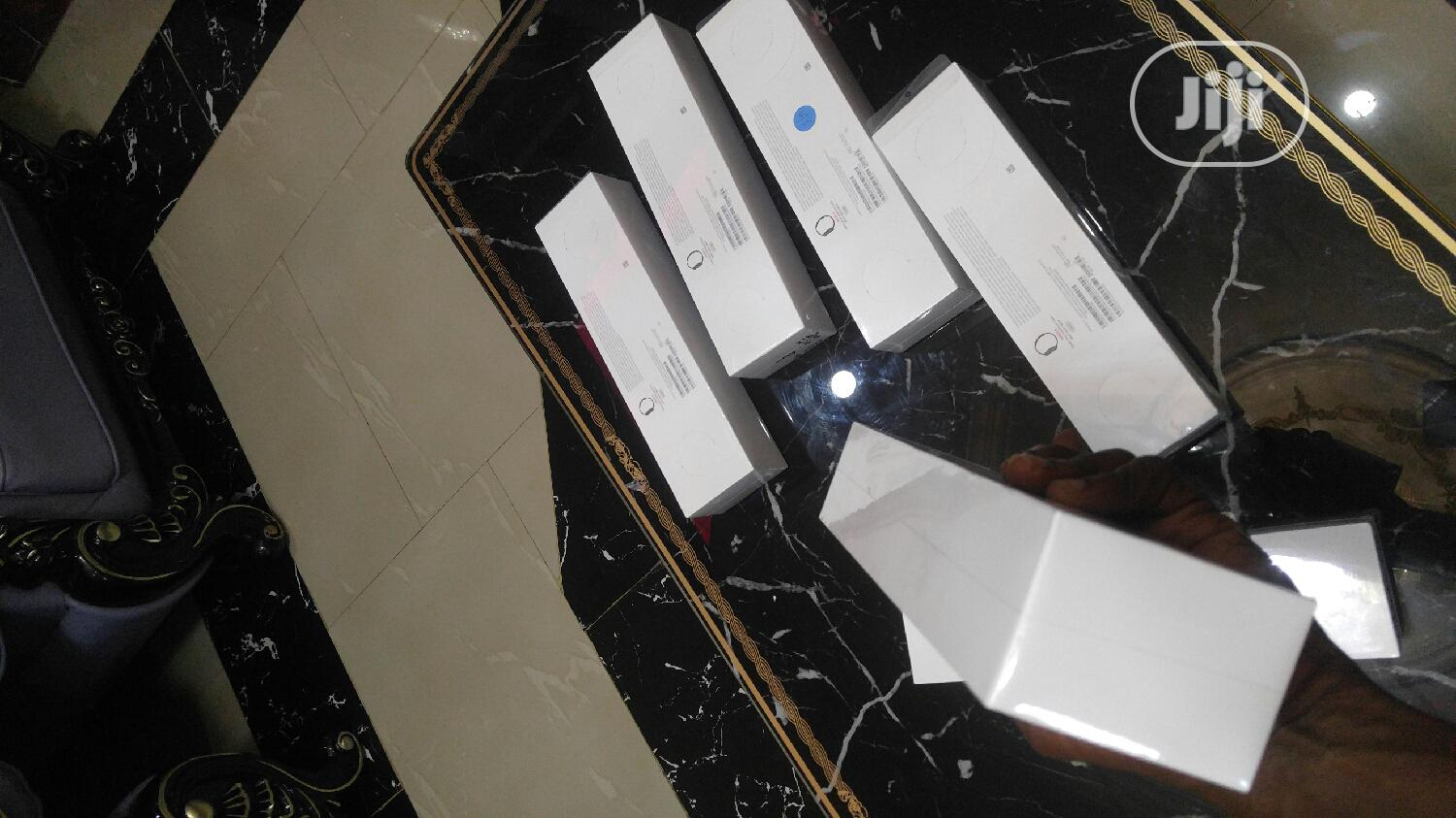 Apple Smart Watch Series 5   Smart Watches & Trackers for sale in Ikeja, Lagos State, Nigeria