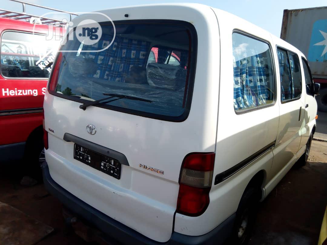 Archive: Toyota Hiace 2009 White