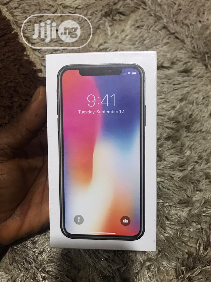 New Apple iPhone X 256 GB White