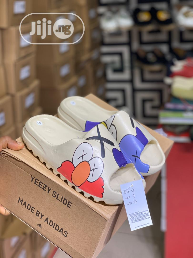 2020 Men And Women Fashion Slippers Sandal. | Shoes for sale in Ojo, Lagos State, Nigeria