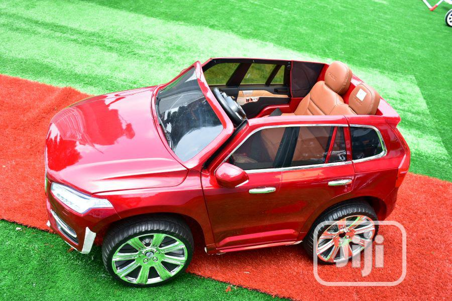 Archive: Volvo Xc90 Red