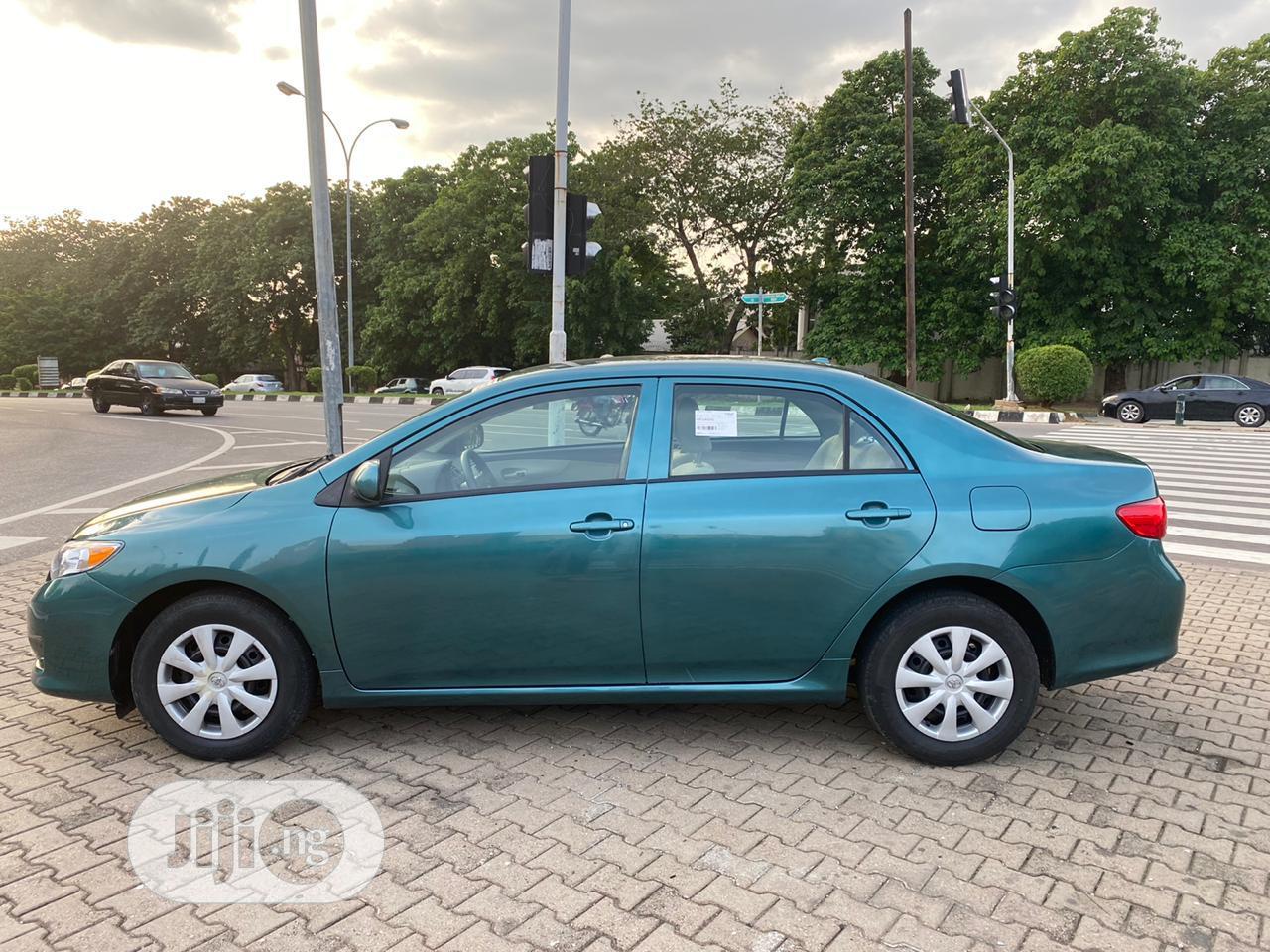 Archive: Toyota Corolla 2009 Green